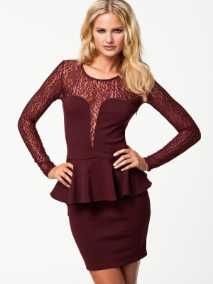Long sleeve sexy lace club dress dark red